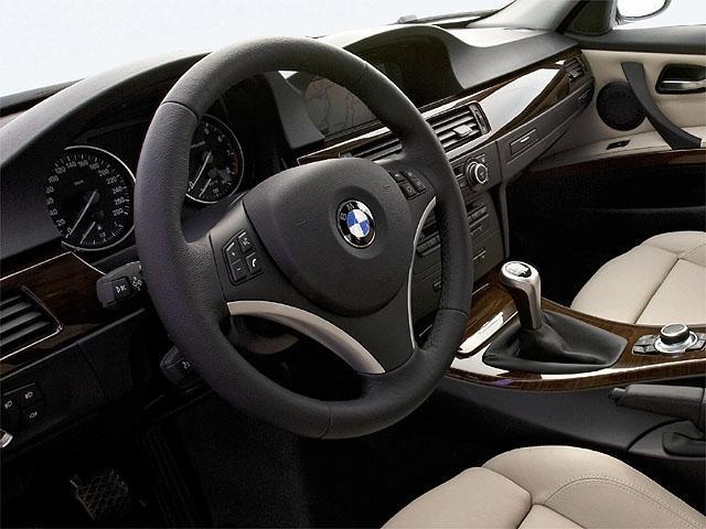 BMW bmw 3シリーズツーリング 320i 燃費 : e-nenpi.com