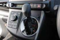 トヨタ ウィッシュ シフトレバー|ニューモデル試乗