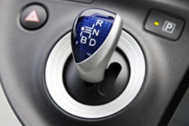 トヨタ プリウス シフトレバー|ニューモデル試乗