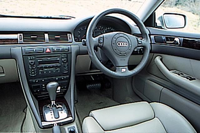 アウディ アウディ a6 クワトロ : carsensor.net