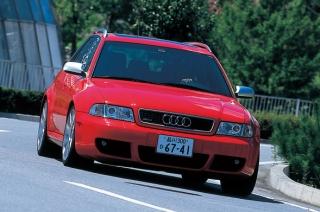 アウディ RS4 走り|ニューモデル試乗