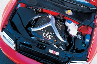 アウディ RS4 エンジン|ニューモデル試乗