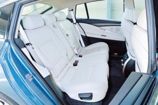 BMW 5シリーズグランツーリスモ リアシート|ニューモデル試乗