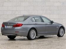 BMW 5シリーズセダン リアスタイル ニューモデル速報