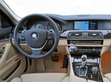 BMW 5シリーズセダン インパネ ニューモデル速報