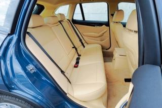 BMW X1 リアシート|ニューモデル試乗
