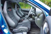 スバル インプレッサ WRX STI 4ドア フロントシート ニューモデル試乗