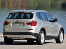 BMW X3   リアスタイル|ニューモデル速報