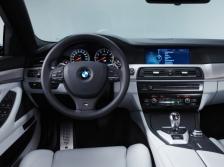 BMW M5 インパネ|ニューモデル速報