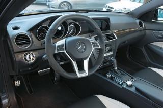 メルセデス・ベンツ C63 AMG クーペ インパネ|ニューモデル試乗
