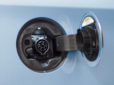 トヨタ プリウス プラグインハイブリッド 充電口|ニューモデル速報