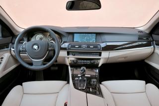 BMW アクティブハイブリッド5 インパネ|ニューモデル試乗