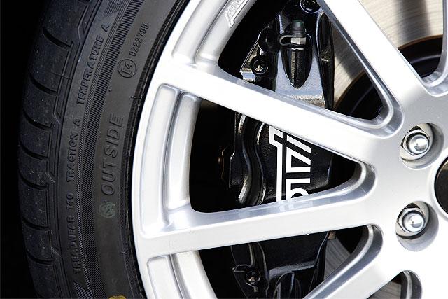 スバル エクシーガ ブレンボ製17インチブレーキ|ニューモデル試乗