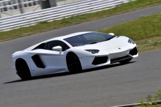 ランボルギーニ アヴェンタドール LP700-4 走り|ニューモデル試乗