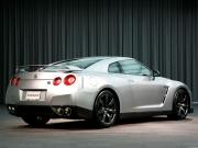日産 GT-R リアスタイル