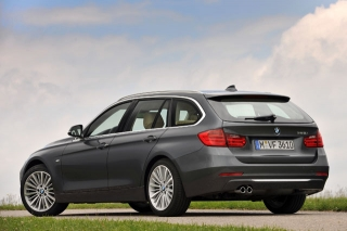 BMW 3シリーズツーリング リアスタイル|ニューモデル試乗