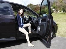 乗り降りするときに足がボディに当たらず衣服が汚れないクリーンサイドシルを採用