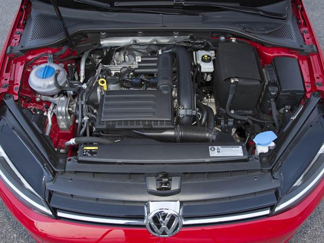 新設計のTSIエンジンを搭載。アルミ製シリンダーブロックを用い16kgの軽量化を実現