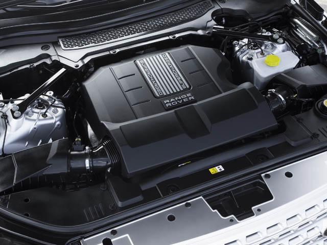 ガソリンエンジンは375psの5Lと510psの5L SC、ディーゼルは258psの3Lと339psの4Lを用意