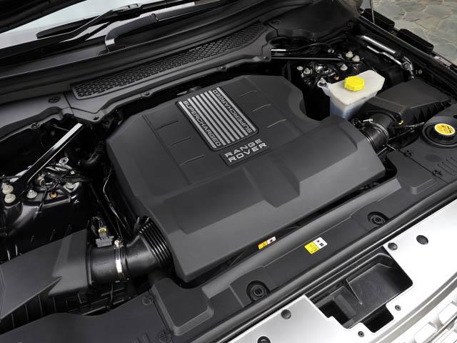 375psのNAは0-100km/h加速6.8秒、JC08モード燃費は5.8mk/Lに。スーパーチャージドは5.4秒、5.3km/Lとなる
