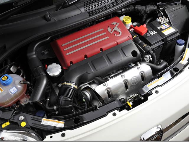 スポーツモードを選択するとオーバーブースト機能が作動、最大トルクが230Nm(595)まで高められる