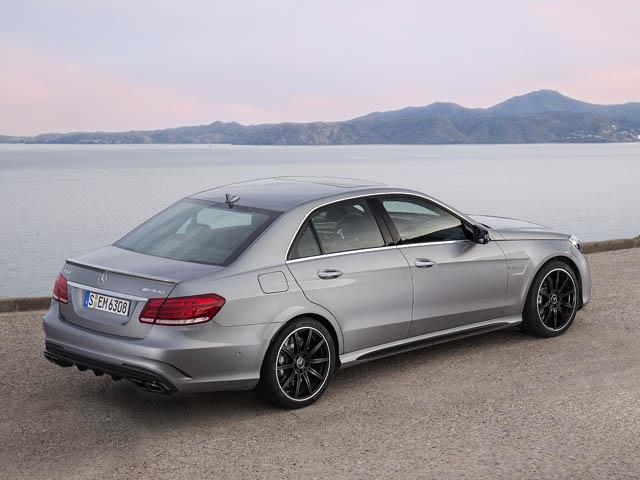 E63AMGも大幅に改良。4WDの採用に加え、さらにハイパフォーマンスなSも加わった