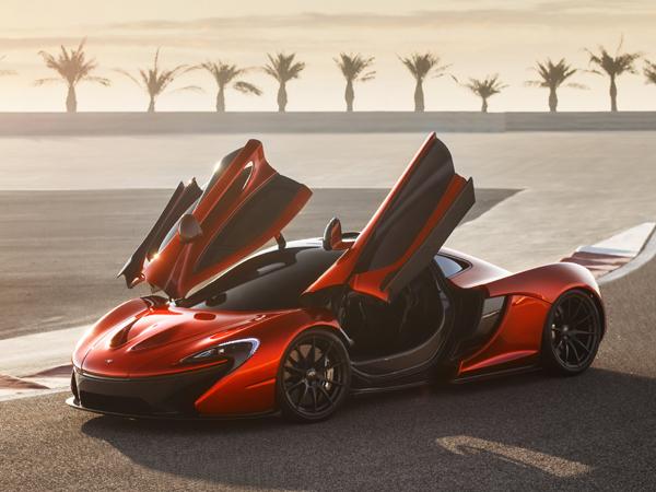 マクラーレン P1はエアロダイナミクスを優先して設計された。その結果、GT レーシング・カーに匹敵するダウンフォースを獲得した