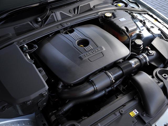 ダウンサイジングエンジンはオールアルミ製で重量は138kgと軽量化も図られている