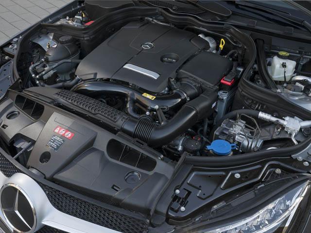 車間距離を自動で維持するディストロニック・プラスなどを備えるレーダーセーフティパッケージや360度カメラシステムなども用意する