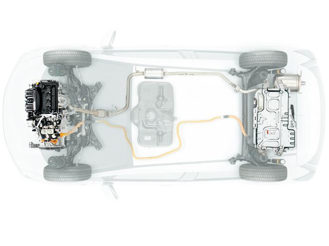 ハイブリッドは、ホンダ初となる高出力モーター内蔵7速DCT(ツインクラッチミッション)との組み合わせで高い燃費性能と楽しい走りを両立