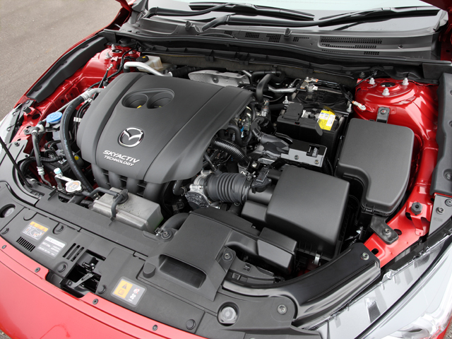 エンジンは1.5Lと2Lの直4ガソリン 、2.2Lの直4ディーゼルターボの計3タイプ。トランスミッションは6ATと6MT(来年春に導入予定)となる