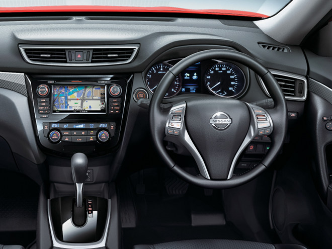 水平基調のインパネデザインにより広がり感を演出。車の情報を的確に伝える「アドバンスドドライブアシストディスプレイ」の採用によりユーザビリティも向上