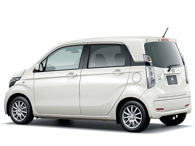 大きい車を凝縮させて見せる方法ではなく、小さい車を立派に見せるホンダのデザインテクノロジーがふんだんに盛り込まれたエクステリア