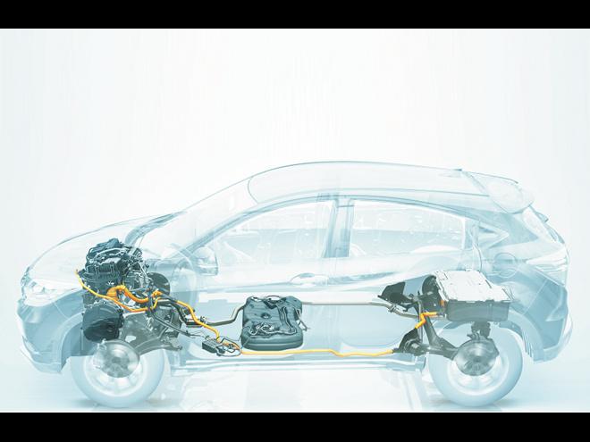パワートレインは、写真の1.5L+モーターに7速ツインクラッチを組み合わせたハイブリッドと、1.5L直4+CVTの2種類が用意される