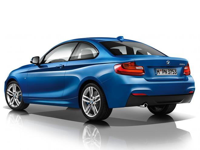 BMWが求める完璧なプロポーションが実現されている。また、空気抵抗の低減に貢献する「エアカーテン」が採用されるなど、空力性能も追求された