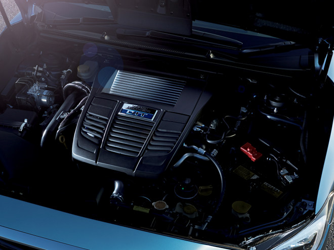 クランクシャフトを除き、ほぼ全てのパーツを専用開発した1.6Lボクサー4直噴ターボ。優れた環境性能と2.5L NAエンジンを上回るトルク特性が持ち味だ