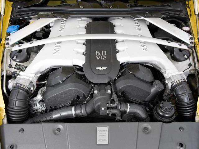 ボッシュの新エンジンマネージメントが採用されている。これにより出力を向上させつつ、よりフラットなトルクカーブが実現される