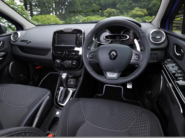 エンジン特性をノーマル/スポーツに選択可能なR.S.ドライブを装備、パドルシフトでの変速も楽しめる