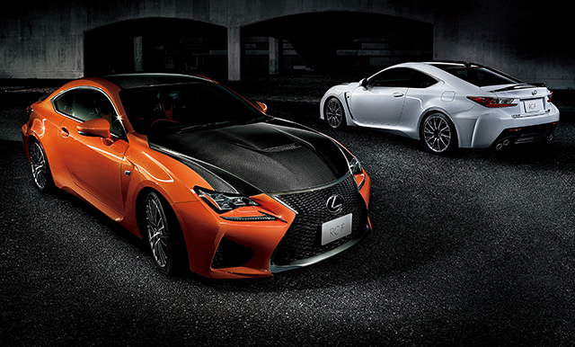 "RC F ""Carbon Exterior package""<オプション装着車>"