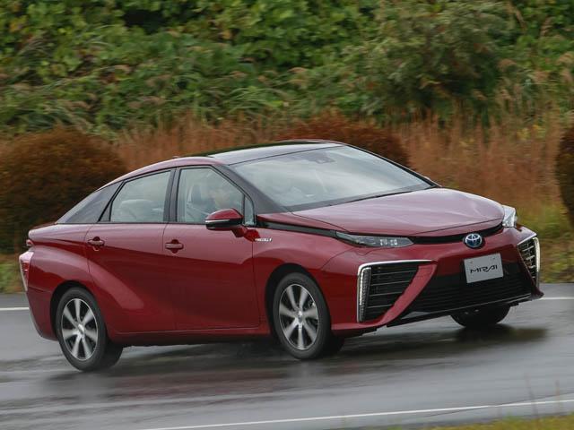 ▲水素燃料を使ったトヨタのイノベーションモデル「MIRAI」。この車を試乗するということは、自動車の歴史において記念すべき日になるのだろう