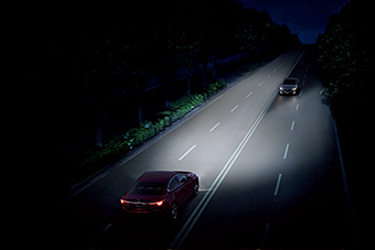 「アダプティブ・LED・ヘッドライト(ALH)」使用イメージ
