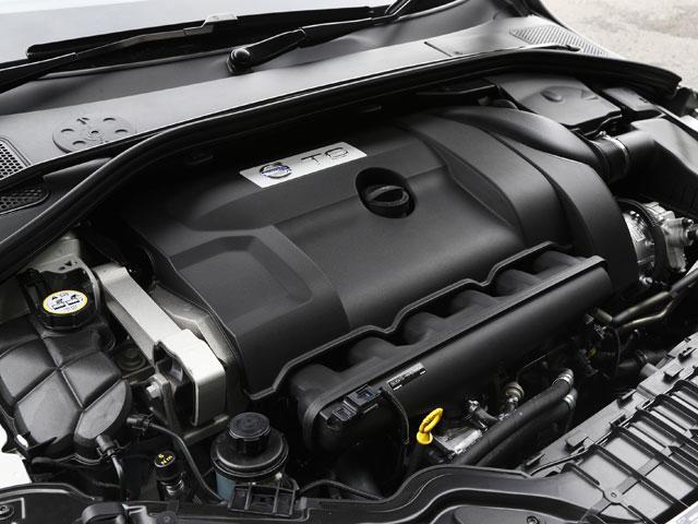▲ボルグワーナー製のタービンを得たエンジンは350ps、500Nmを発揮する。スペックから想像していた以上のパフォーマンスを感じる
