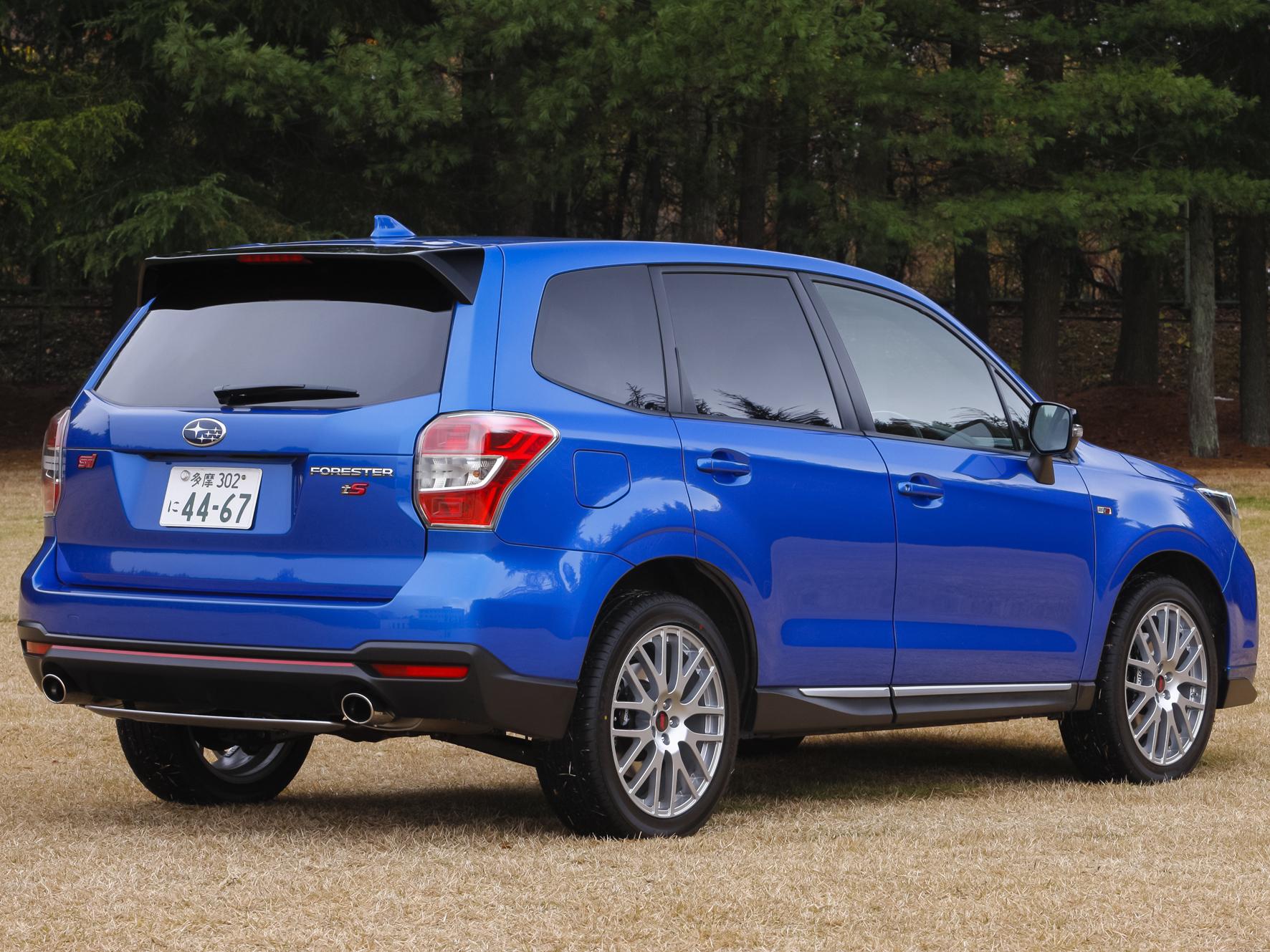 ▲外装は専用色であるWRブルー・マイカを含めた全4色展開。生産台数は300台限定となる