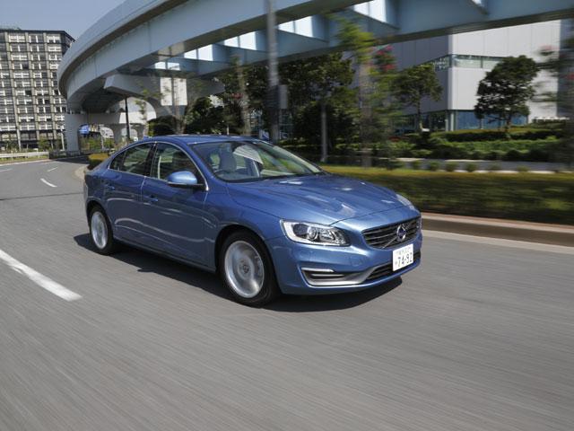 ▲写真はS60 Luxury Edition。先進の安全装備や本革シートなどオプションが充実した特別仕様車だ