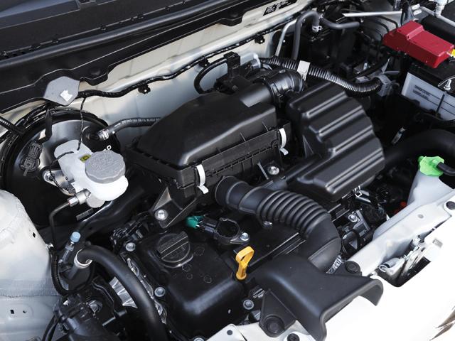 ▲新型アルトの改良型エンジンは、従来よりもさらに圧縮比を11.5と高めている。シリンダーヘッドとピストンが見直され、高効率を実現している