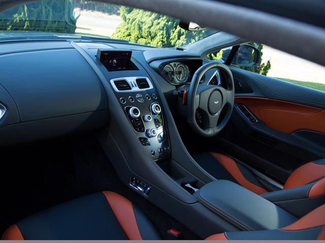 ▲新しいデザイン・トリムカラーも用意された。エンジンマネージメントシステムも最新に
