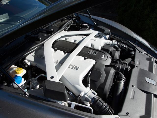 ▲前年モデルより10Nm向上。ギア比と最終減速比の変更により最高速は320km/h以上に、燃費も約11%向上