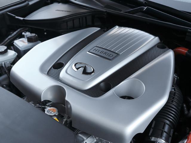 ▲モーターとエンジンの制御は、力強いモーターから加速してエンジンにバトンタッチをする欧州車のようなセッティングでメリハリがある