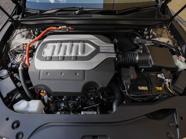 ▲V8と比べても遜色がないと開発者が太鼓判を押すV6エンジン+モーターの動力ユニット