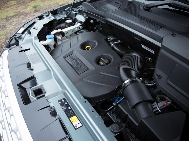 ▲直噴ターボに最新9ATの組み合わせ。ブレーキシステムによるトルクベクタリングなど、走りのための機能も充実